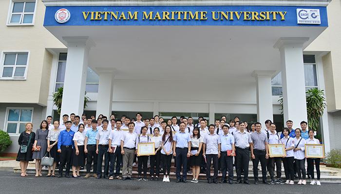 Lễ trao giải nghiên cứu khoa học sinh viên cấp Trường năm học 2019-2020 và giải thưởng sáng tạo trẻ VMU – 2020.