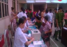 """Đoàn viên thanh niên trường ĐH Hàng hải Việt Nam tham gia chương trình hiến máu tình nguyện """"Giọt hồng tri ân"""" trong khuôn khổ Ngày hội Độc lập."""