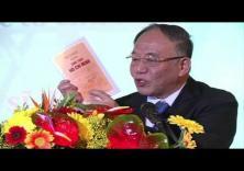 Video clip Giáo sư Hoàng Chí Bảo kể chuyện về Bác Hồ - Phần 1