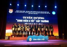 Mít tinh kỷ niệm 69 năm ngày truyền thống HSSV Việt Nam và biểu dương SV 5 tốt cấp trường